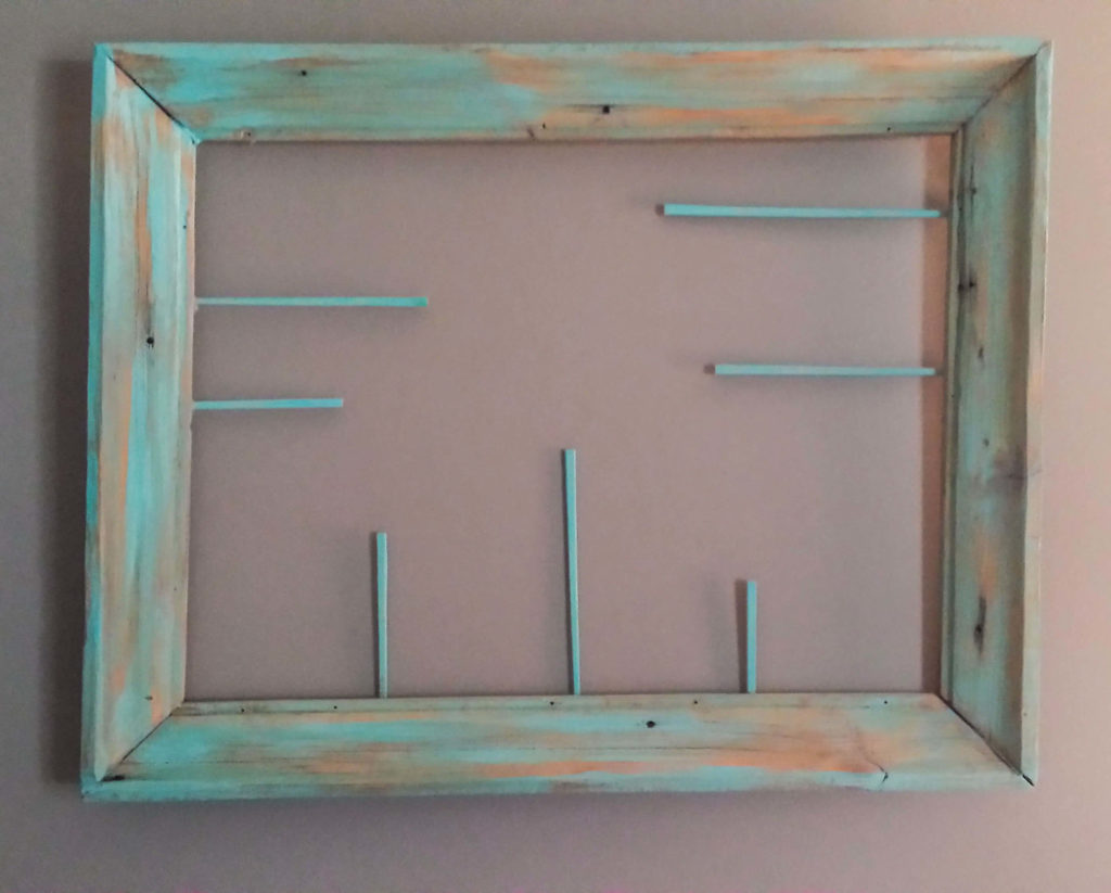 How To Repurpose Chopsticks To Make A Picture Frame Holder