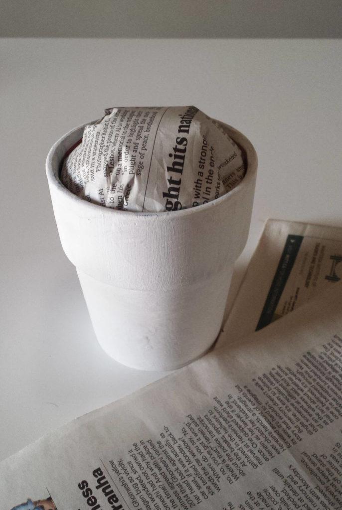 old newspaper,craft moss,clay pot,diy