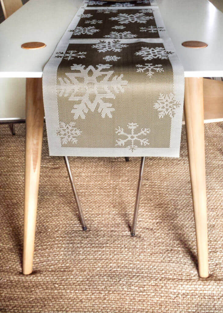 Christmas Table Runners.How To Make A Christmas Table Runner From Placemats