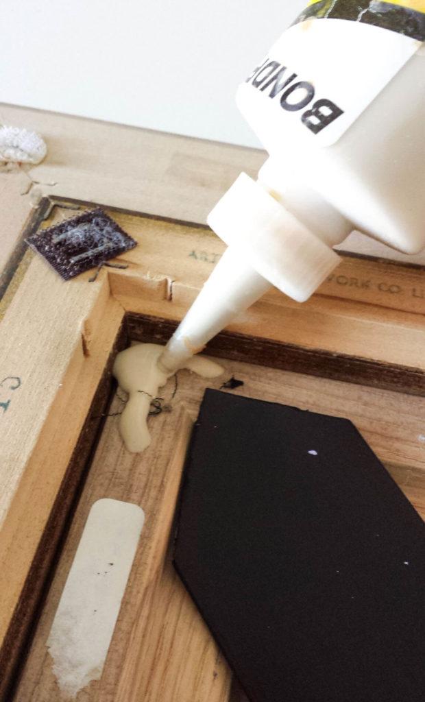 glue arrow for key holder diy