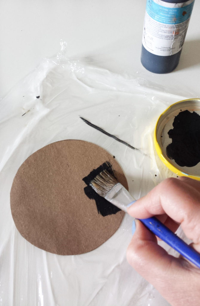 paint circle cardboard for emoji wall decor