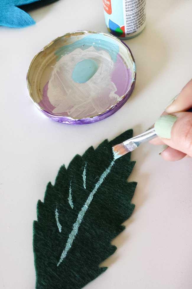 paint leaf veins on felt leaves wall decor