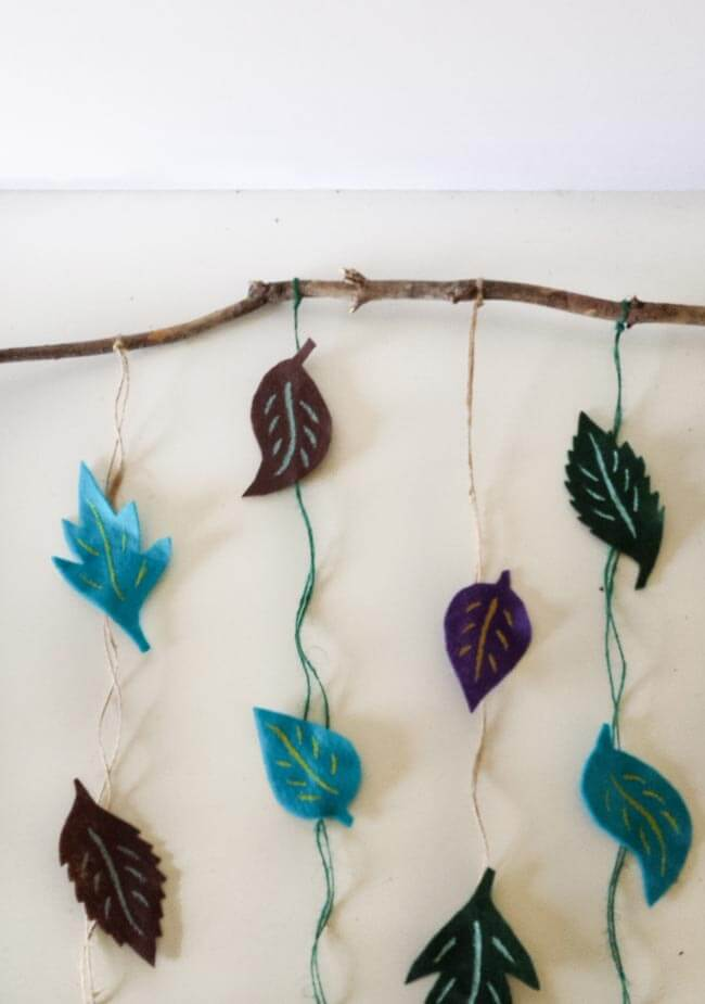 placement of leaves for felt leaves wall decor