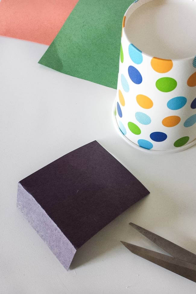 fold blach paper for paper cup craft