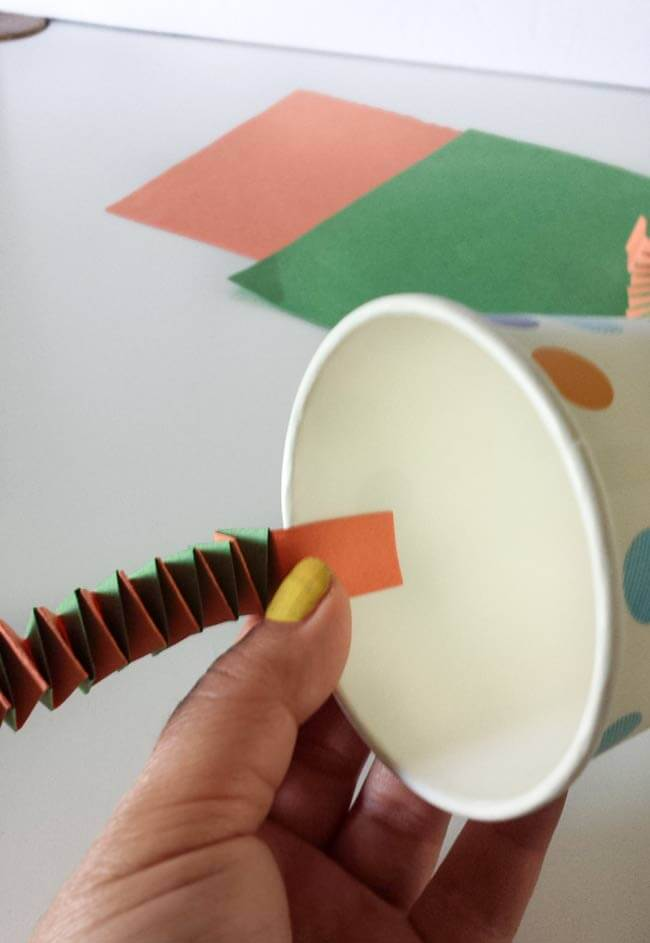 paste accordion strips for paper cup craft