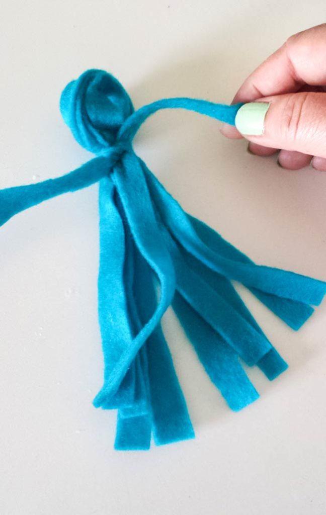 tie felt for paper ornament diy