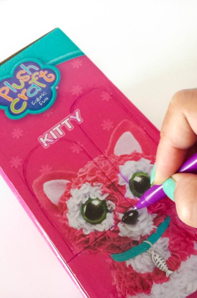 Draw popsicles on the reused box