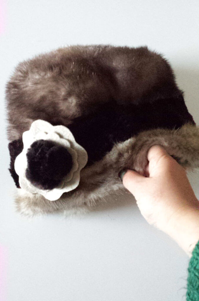 69bc5c7d4f4 Upcycled Fur Hat- Turn Those Pieces Of Fur And Mink Stole To A Stunning Hat