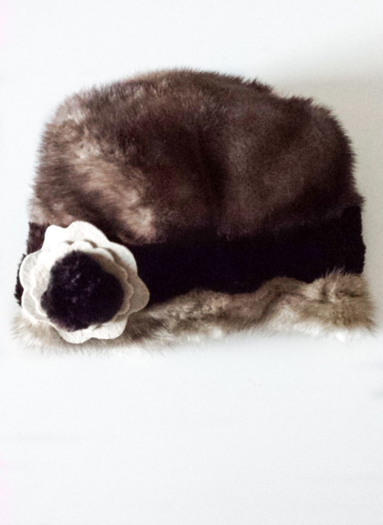 sew felt faux fur upcycled hat diy